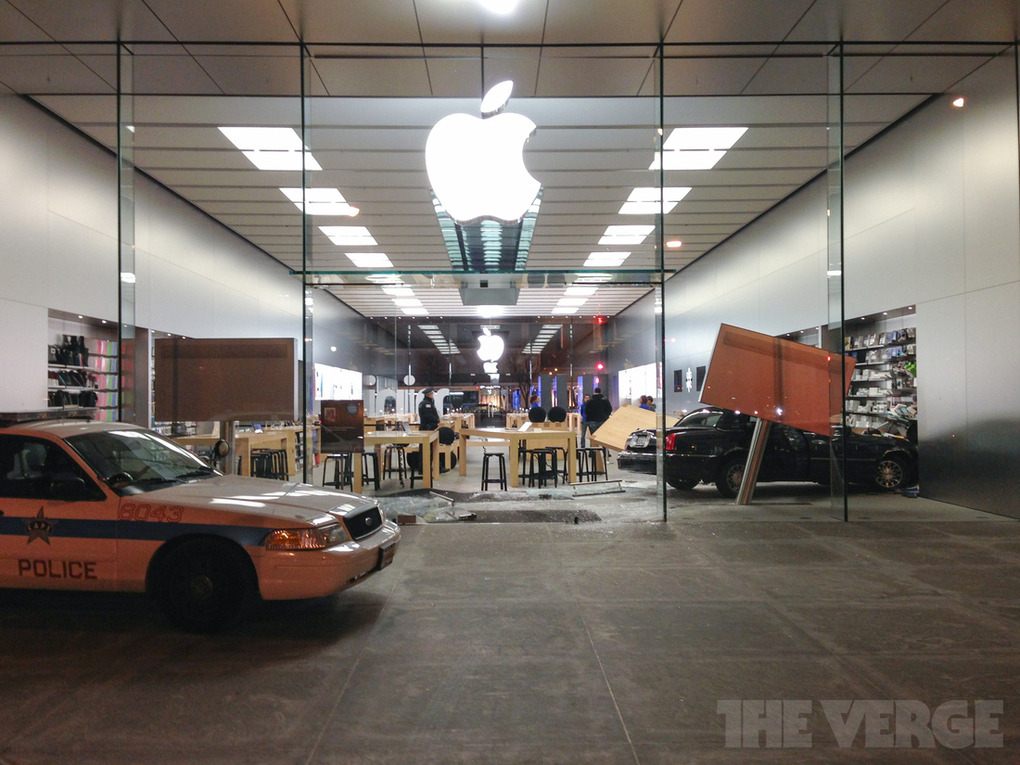 Gallery: Car accident at Lincoln Park Apple Store