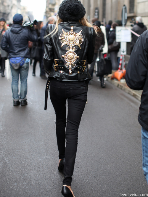 fashion-streetstyle:  (via DETAILS…MILAN | LEE OLIVEIRA)