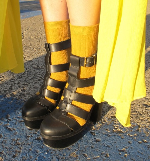 wgsn:  Socks and sandals? Works for us! And right on trend with day two's key colour shade at #LMFF - yellow.  WGSN street shot, L'Oréal Melbourne Fashion Festival