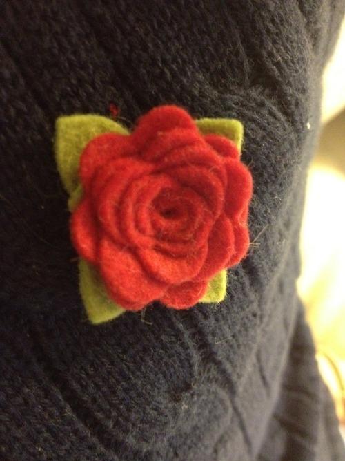 knit lapel pin