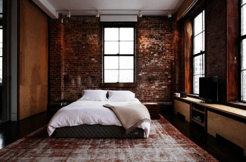 thetaoofdana:  an off kilter bedroom. a little shifting & its amazing. spectacular carpet!