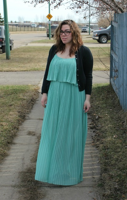 "Ready for spring! 5'7"", 190lb. Dress is from Forever 21."