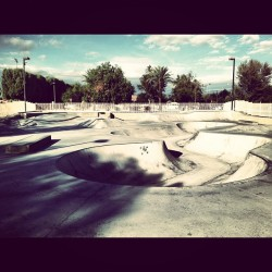 bmxkiller:  Got this park all to myself #bmx #solosessions #amazing #weather by israel7_7_7 http://instagr.am/p/TUEnrQv3Xi/