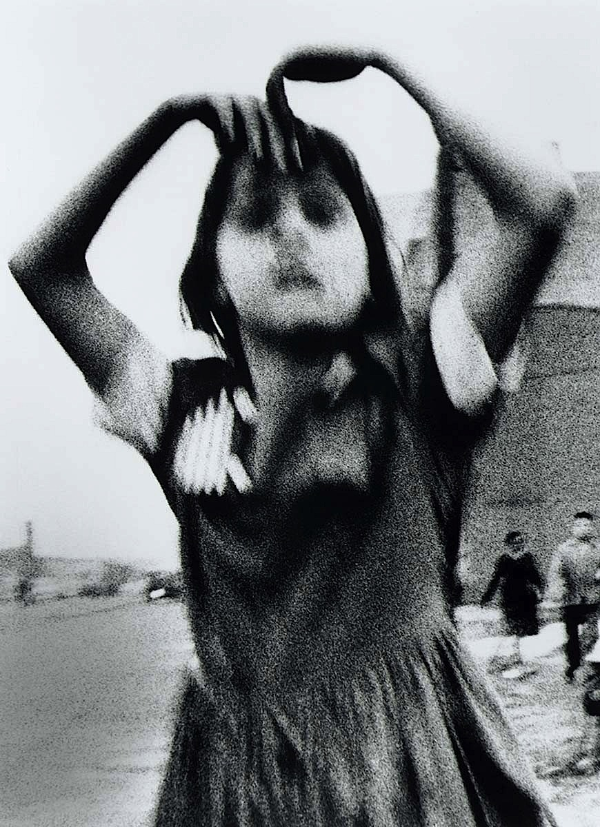 luzfosca:  William Klein Girl Dancing in Brooklyn, 1955