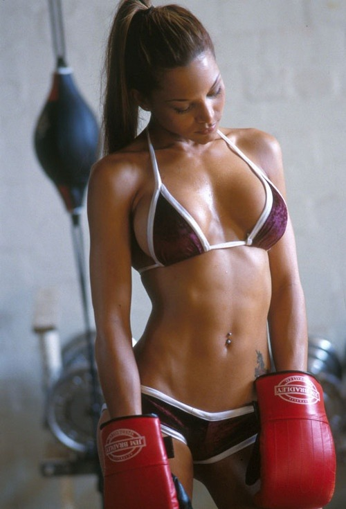 We love athletic girls!!! Do you? Follow us!