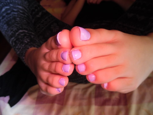 sundaysfeet:  my toes want to catch something:$