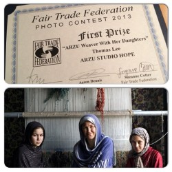 arzustudiohope:  ARZU won the #photo contest at the 2013 #FTFConferenceRaleigh! Photo of #weaver Hamida and her #daughters by Thomas Lee #family #artisans #fairtrade #afghanistan