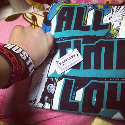 FINALLY!!!!!!! #husler #alltimelow #atl #cool #aww #fun #damn #crazy #me #itsme #punk #riotfest #america #usa #japan #japanese #fashion #girl #gig