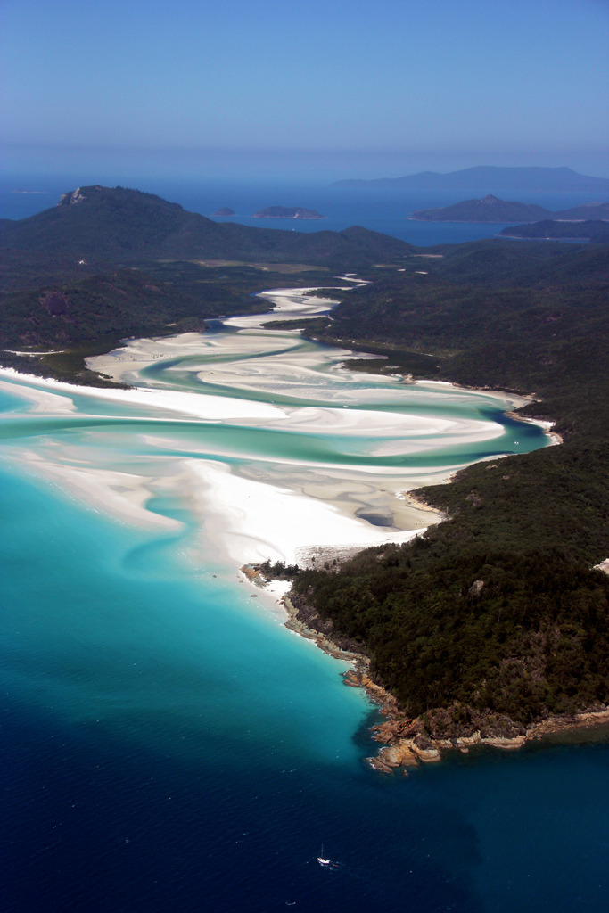 nosens:  Whitehaven Beach (by Singing Universe)