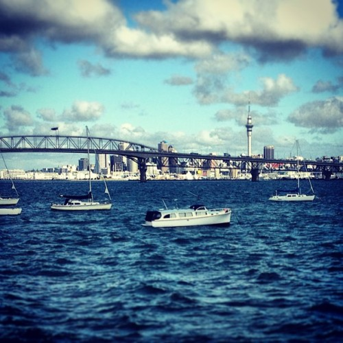 #auckland #sea #nz #street #view #summer #beach #boat #bridge  (at Birkenhead Point)