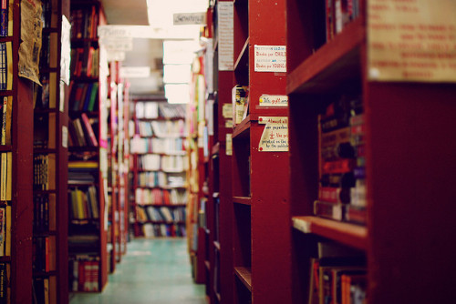 booksandtea:  Just one small section of this massive used-books store. (by 3n)