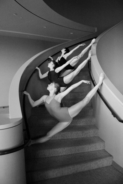 dancesht:  (via Stairwell by ~milanophoto on deviantART)