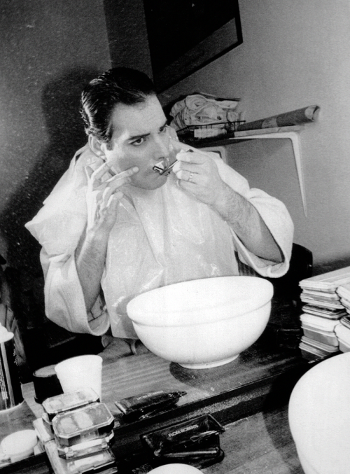 http://fuckyeahmercury.tumblr.com/post/49038698714/freddie-shaving-his-famous-moustache