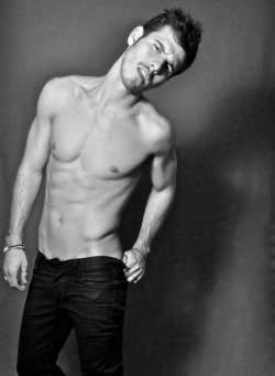 lovingmalemodels:  Lucas Bernardini by Mari Harumi   Today in… THINSPIRATION: Having a rocking bod by April 12….