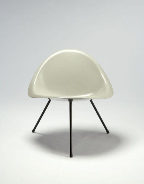 TRIPOD CHAIR by Poul Kjærholm