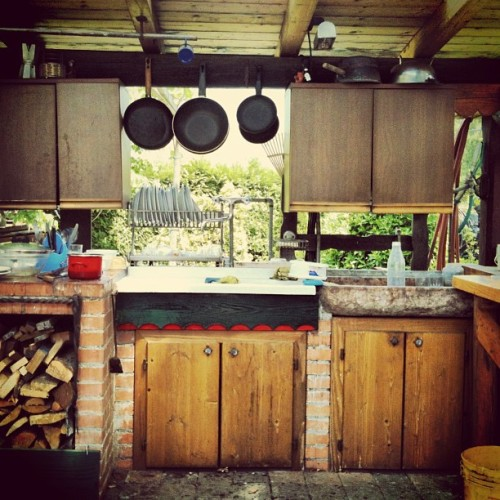 Natural window #kitchen #house #nature #beauty #open #porch #country #vintage #instagood #instagram #instamood #instagramers #instagramhub #webstagram #iphonesia #iphononly #picoftheday #photooftheday #sunny