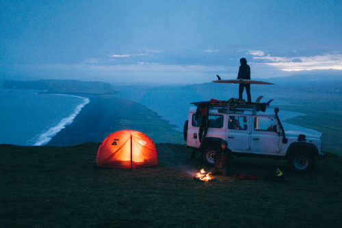 polerstuff:  chrisburkard:  Not a bad place to set up camp…  #campvibes