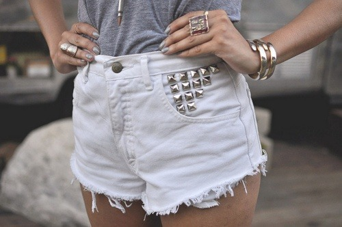 kickkat94:  white studded shorts