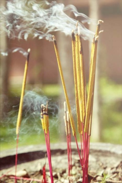 givemeaburger:  Macro Jasmine Incense