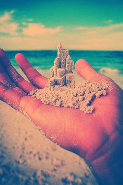 sandy castle | via Tumblr en @weheartit.com - http://whrt.it/YwjTRG