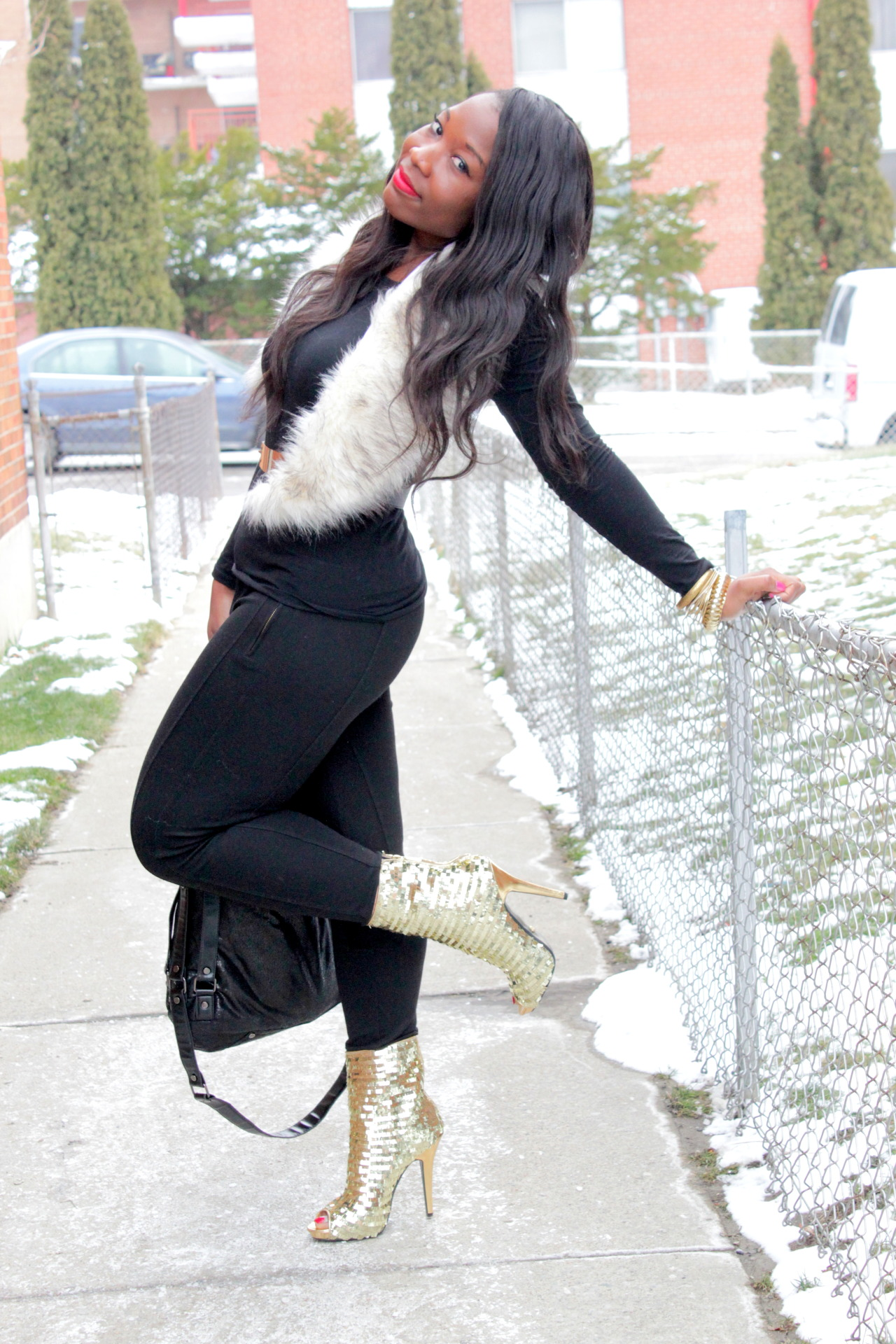 blackfashion:  brenda,Toronto http://canneverbeaskinnybish.blogspot.ca/  Love those boots
