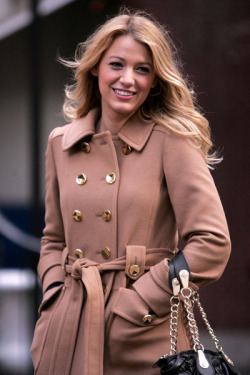 vogue-struck:  Blake Lively :)