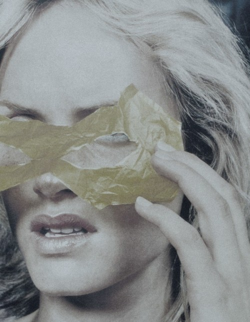 pradaphne:  Amber Valletta photographed by Craig McDean for Yohji Yamamoto Fall/Winter 2000 Lookbook.
