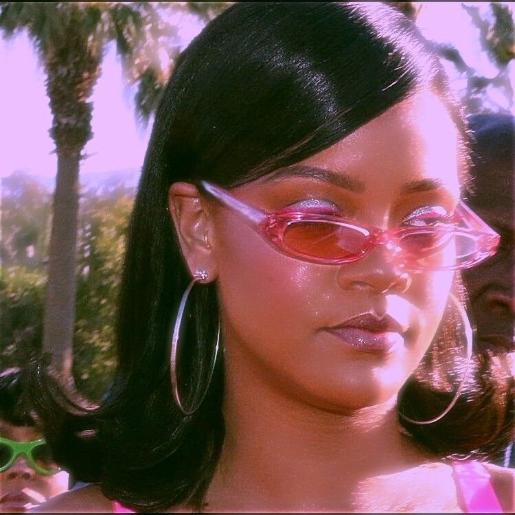 #rihanna#angel aesthetic#aesthetic#90s grunge#grunge#90s style#90s#90s fashion#atriz#actriz#famous#celebrity#cantora#fotos tumblr#photography#tumblr photography#tumblr