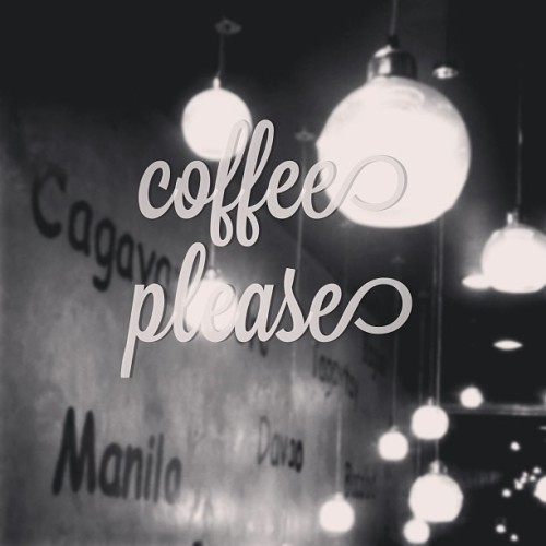 Tonight I will not sleep #typic #coffee #lights #design #architecture #interior #mystyle #instarchitecture #instagood #instamood #instagram  (at Starbucks Coffee)
