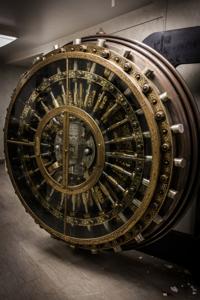 16inchgunner:  supplydepot:  Abandoned bank vault  my wallet