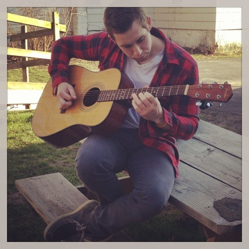 Perfect day for a hipster guitar sesh outside @britz4britz