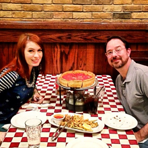 Chicago deep dish pizza with author John Scalzi.  This pie is DEEP! Heartburn calling!
