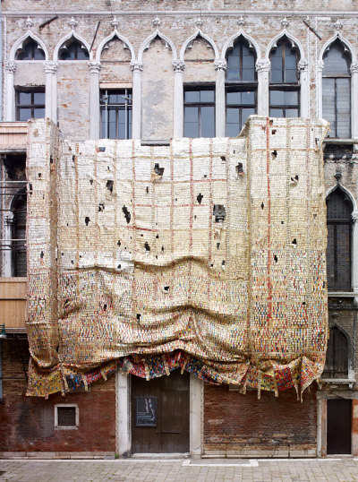 "El Anatsui Fresh and Fading Memories, 2007 Aluminum and copper wire; 358 x 236 inches Installation view, Artempo: Where Time Becomes Art, Palazzo Fortuny, 52nd International Art Exhibition, La Biennale di Venezia, June 10–November 21, 2007   http://www.art21.org/images/el-anatsui/fresh-and-fading-memories-2007   ***   I really appreciate the playfulness, and the freedom, of how he lets his work be re-purposed with each install. I have seen his work hung with different orientations.  There is a letting-go, on his part, which requires ongoing invention on the part of the installers.   His architectural projects have enormous power. Check out this video, about his project along the ""High Line"" in New York City."