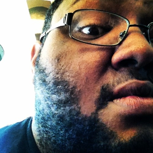 Yeah it's time for the stress beard to go for real for real lmmfao help me @jaymcflyandisedu please! 👍