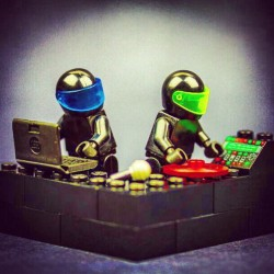 Daft Punk + Lego = YES