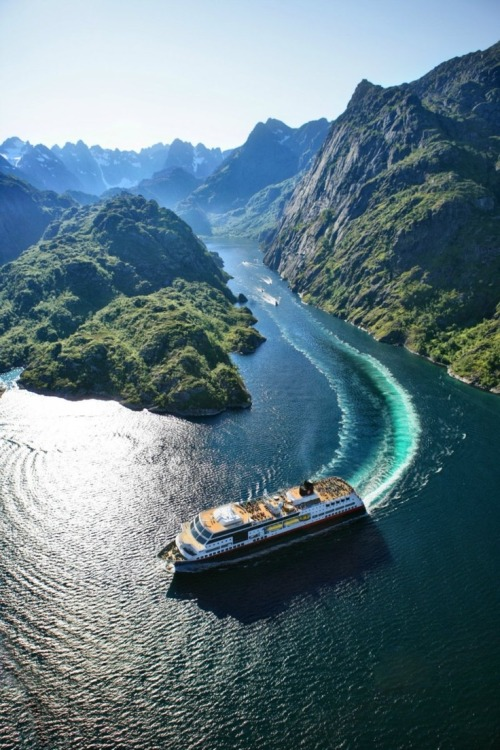emilanton:  Cruising the Fjords of Vesterålen Islands