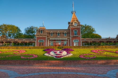 Good Morning Disneyland by Tours Departing Daily on Flickr.