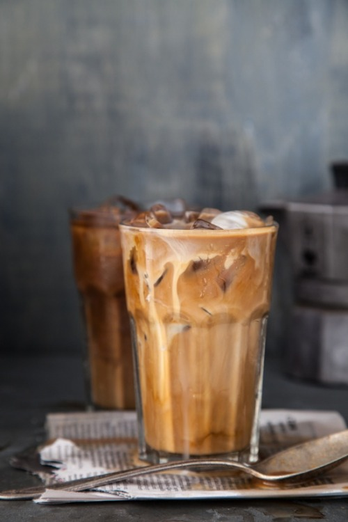 longlivethequeen:  prettypeachpeonies:  Iced coffee season again.  it's always iced coffee season.