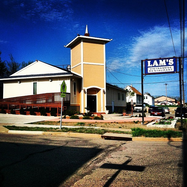 #Dinner break! Lam's: Former church. Current #Vietnamese restaurant. 100% awesome! #OnlyInSouthDakota #SouthDakota (at Lam's Vietnamese Rest)