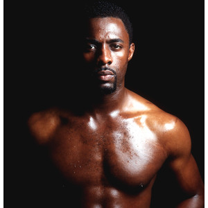 Shirtless Idris Elba