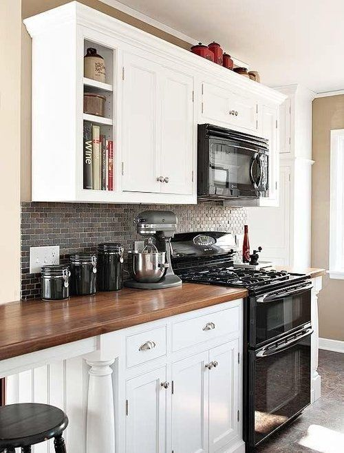myidealhome:  classic white/wooden kitchen