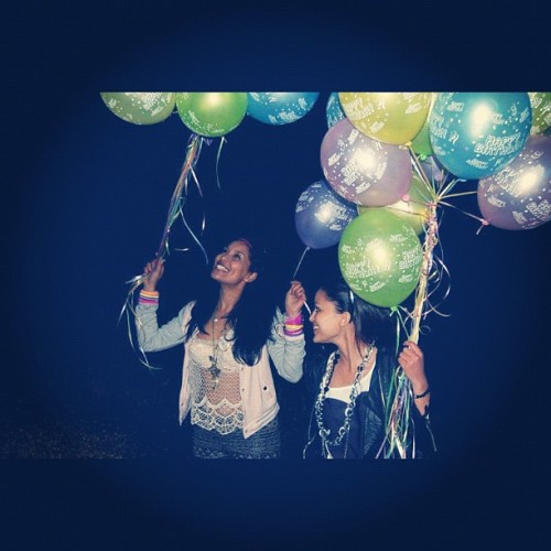 Our birthday #Davinia  #birthday #balloons #friends #laughter #Missy #mixed #instafun #instahappy #love #mygirls #may13 #may14