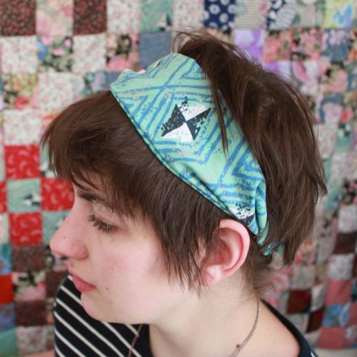 Teal Diamond Headband in my shop! (bravehandtextiles.etsy.com)