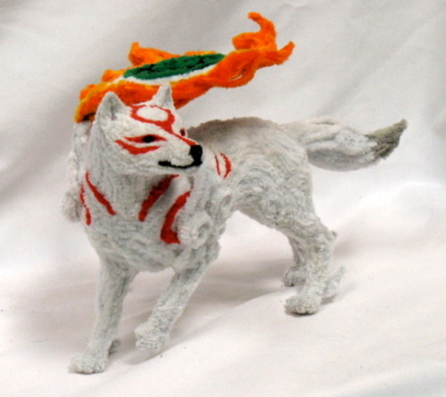 Amaterasu made entirely out of pipe cleaners. The artist makes a bunch of other amazingly realistic animal sculptures (found here), but this was too adorable.