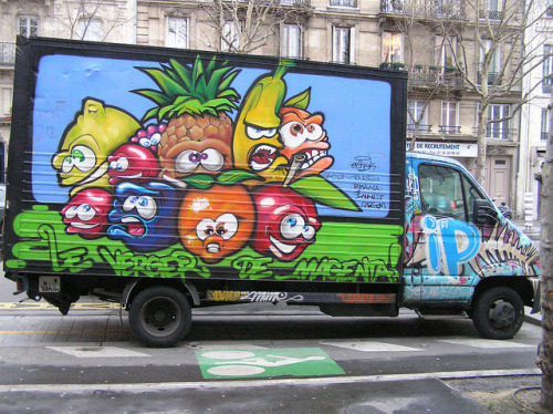 Graffiti Truck Paris by freaQ on Flickr.