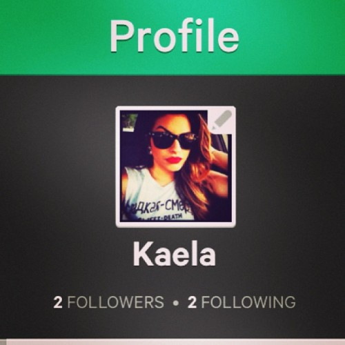Follow me on VINE ! I can't figure out how to add people lol