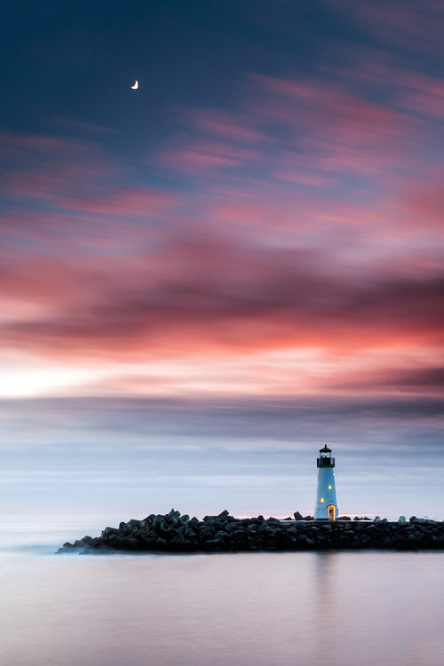 travelingcolors:  Walton Lighthouse, Santa Cruz Harbor | California (by Matt Hofman)