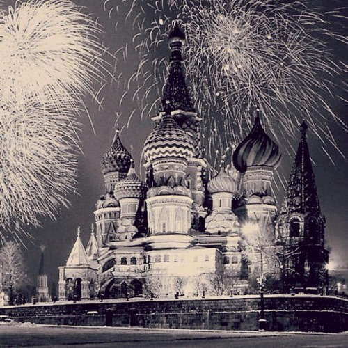 belovedrussia:  Salute on the Red Square in black & white style. In Russian there are two nights when we ALWAYS observing such a beauty as salute: New Year Celebration and on the 9th of May - The Victory Day.