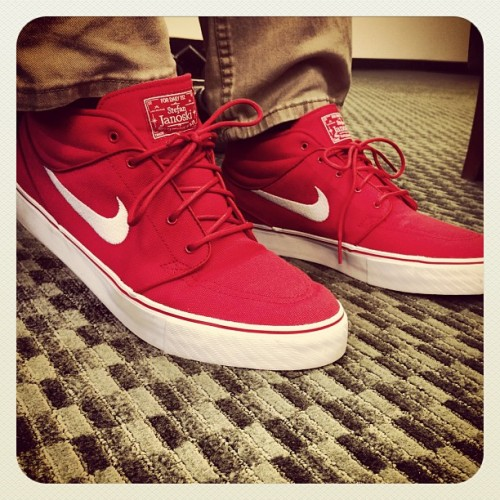 New Janoski's! All thanks to my twin @ivanemm #stephenjanoskis #janoski #red #new #fordailyuse #nikesb