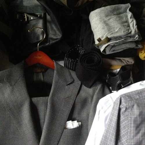 Packing for Edinburgh and London, to hell with spring #grey #black #olive #moregrey #london #edinburgh